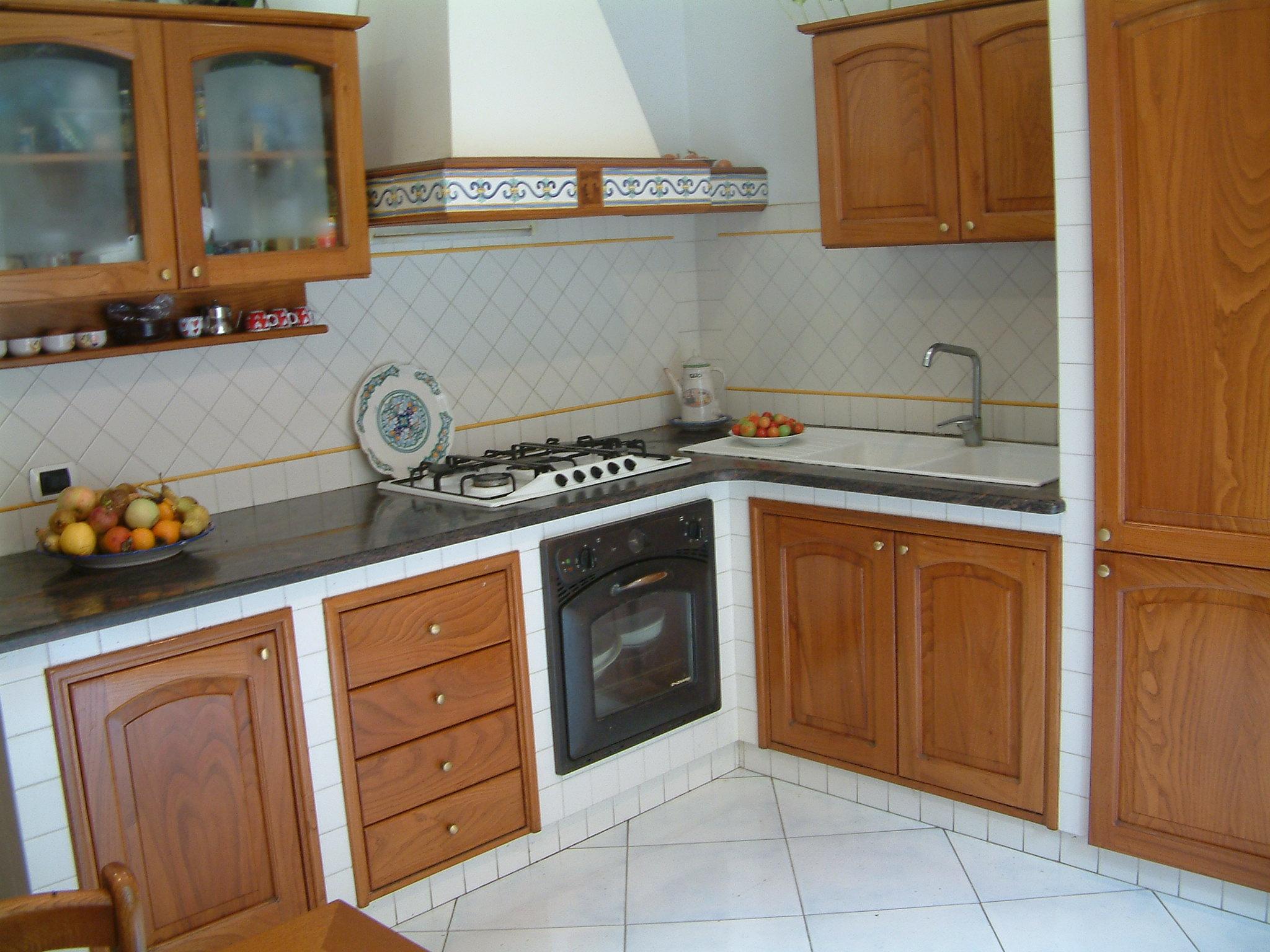Progetti cucine in muratura rustiche foto della cucina in - Cucine in muratura rustica ...